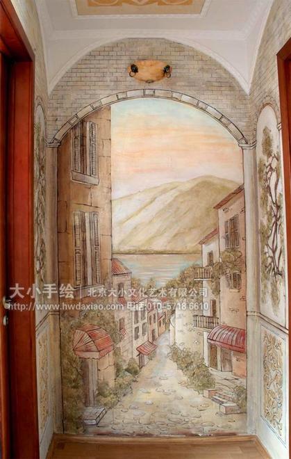 同时,风景手绘墙壁画也从视觉上大大增加了房屋空间,房间的尽头不再是