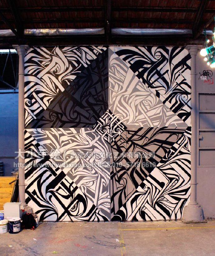 """同时,也可以关注我们的微信公众平台大小创意壁画,那里有更多好玩有趣的手绘作品欣赏。 [[img ALT=""""户外墙绘,涂鸦墙,几何彩绘,街头艺术,墙体彩绘,创意壁画,北京墙绘公司"""" src=""""http://simg.sinajs.cn/blog7style/images/common/sg_trans.gif"""" real_src =""""http://www.hwdaxiao."""