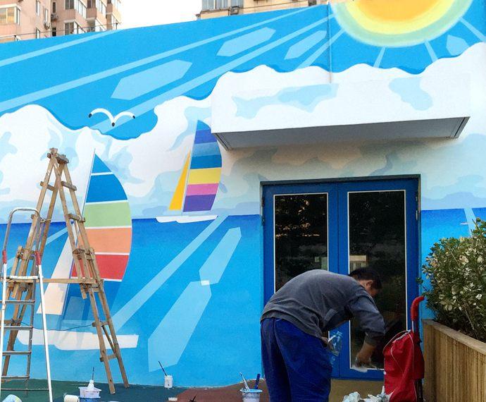 """同时,也可以关注我们的微信公众平台大小创意壁画,那里有更多好玩有趣的手绘作品欣赏。 [[img ALT=""""幼儿园墙绘,海滩风景彩绘,儿童房手绘墙,校园壁画,餐厅手绘墙,办公室手绘墙,北京墙绘公司"""" src=""""http://simg.sinajs.cn/blog7style/images/common/sg_trans.gif"""" real_src =""""http://www."""