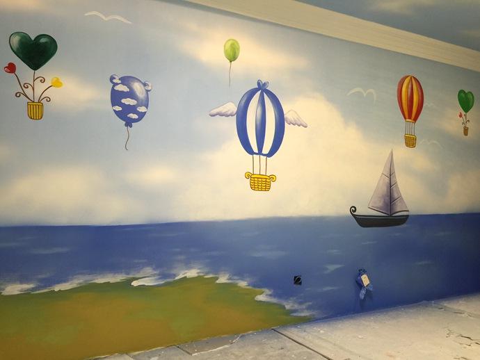 浪漫海滩热气球儿童房手绘墙壁画