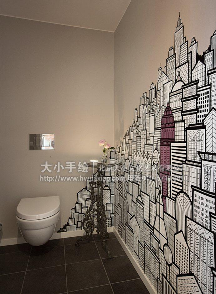 手绘墙壁画打造卫生间里的奇妙城市
